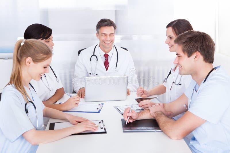 医生会议 库存图片