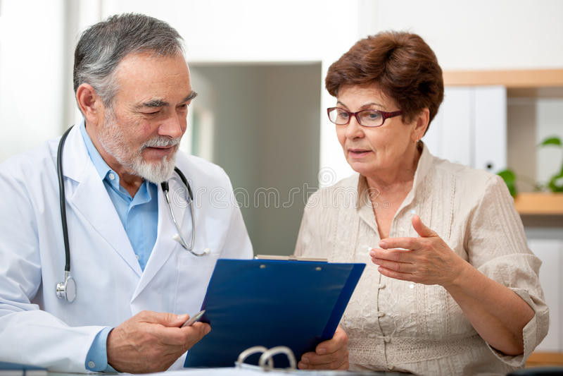 医生和患者 免版税库存图片