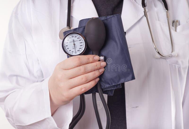 医生和血压 库存图片