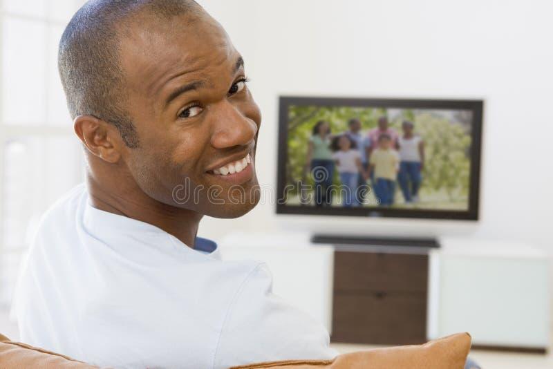 生存男盥洗室电视注意 图库摄影