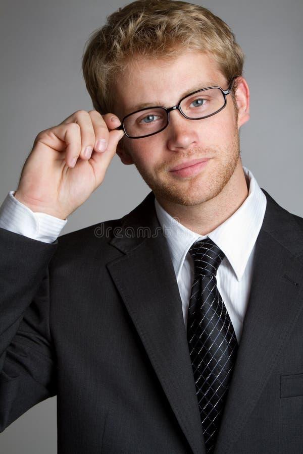 生意人佩带的玻璃 免版税库存照片
