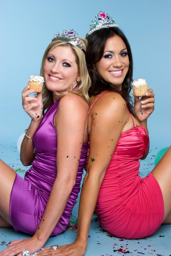 生日杯形蛋糕女孩 库存图片
