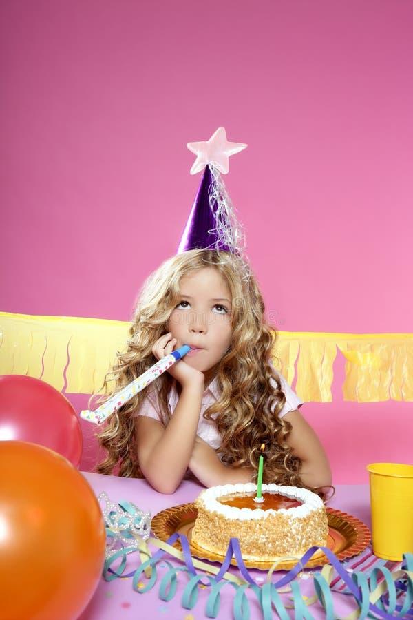 生日白肤金发的女孩少许当事人 图库摄影
