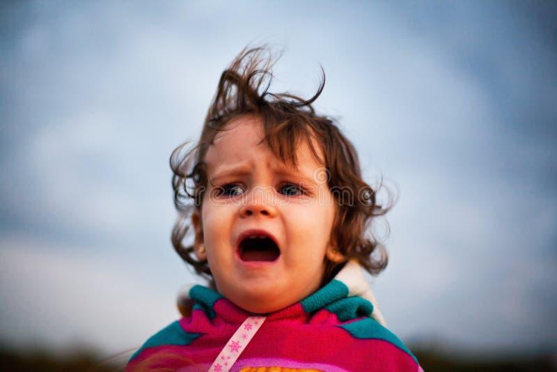 生气婴孩叫喊 免版税图库摄影