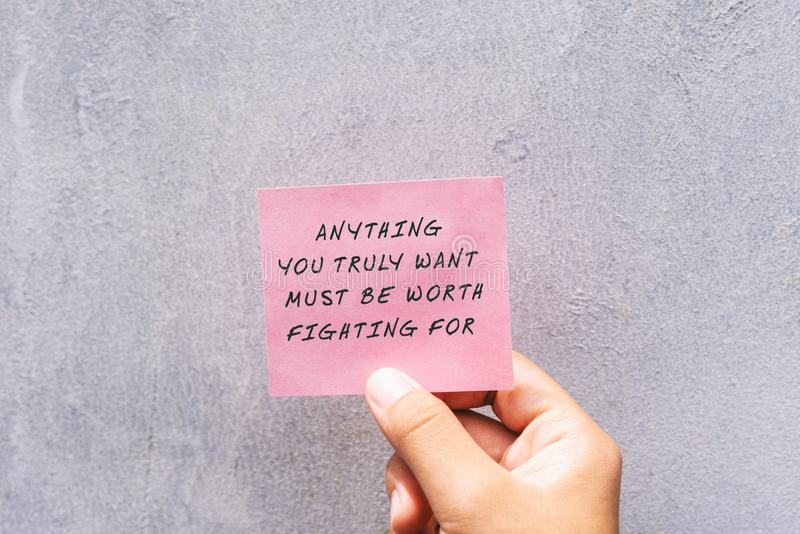 生活诱导和激动人心的行情-您的任何真实地要必须值得战斗为 免版税库存图片