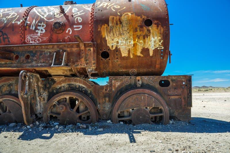 生锈的火车公墓在Uyuni,玻利维亚 免版税库存图片