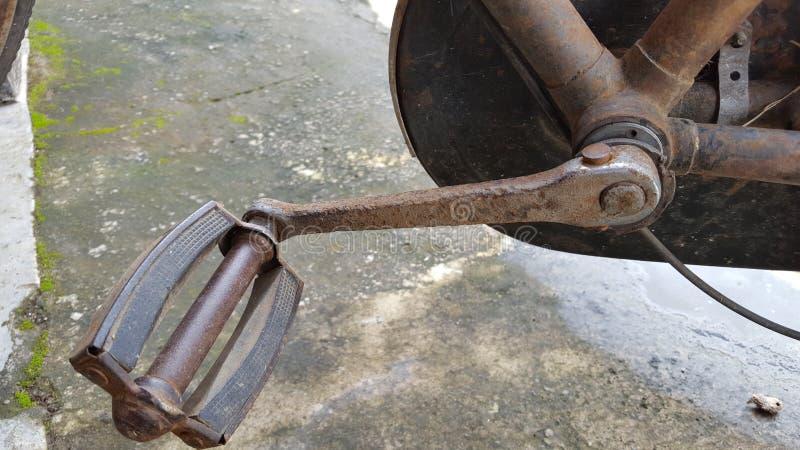 生锈的自行车脚蹬 免版税图库摄影