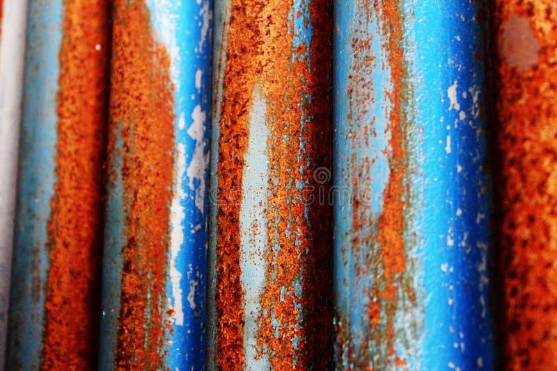 生锈的蓝色波状钢 免版税库存照片