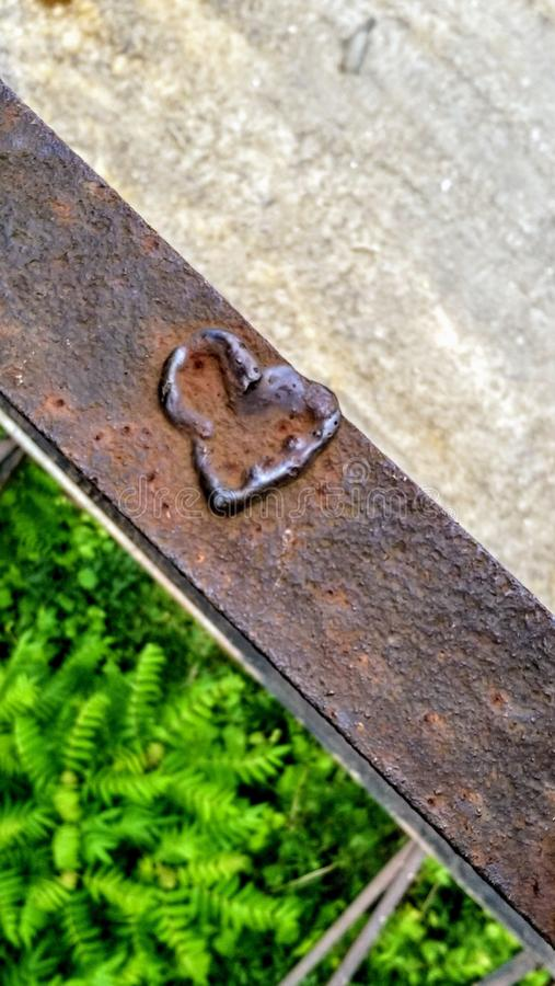 生锈的铁的心脏 免版税库存图片