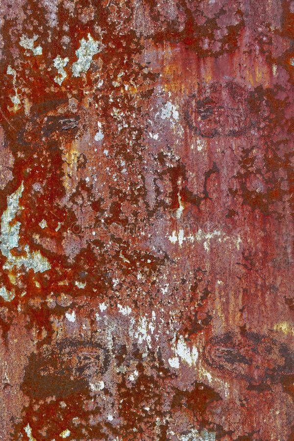 生锈的铁,老金属表面上的破裂的油漆纹理  免版税库存图片