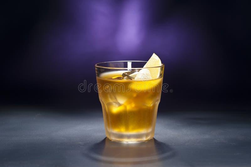 生锈鸡尾酒的钉子 免版税图库摄影