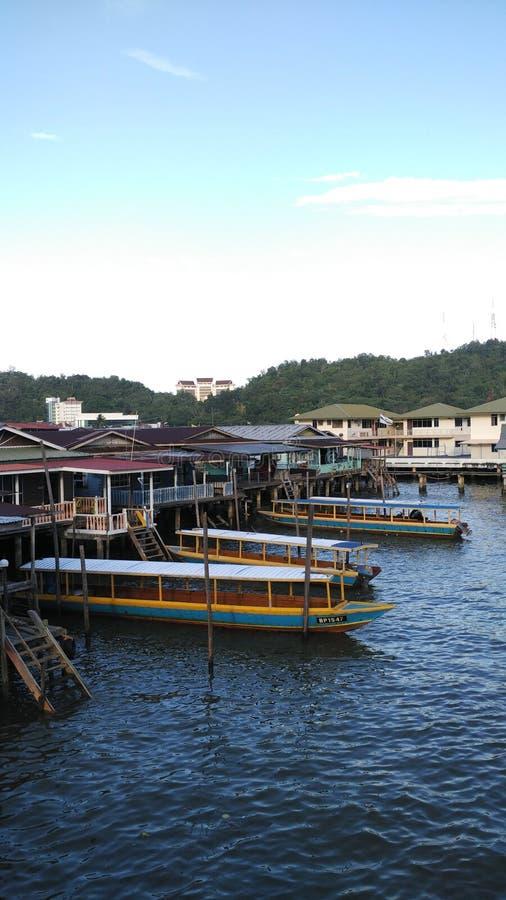 生活在Kampung Ayer,文莱达鲁萨兰 免版税库存照片