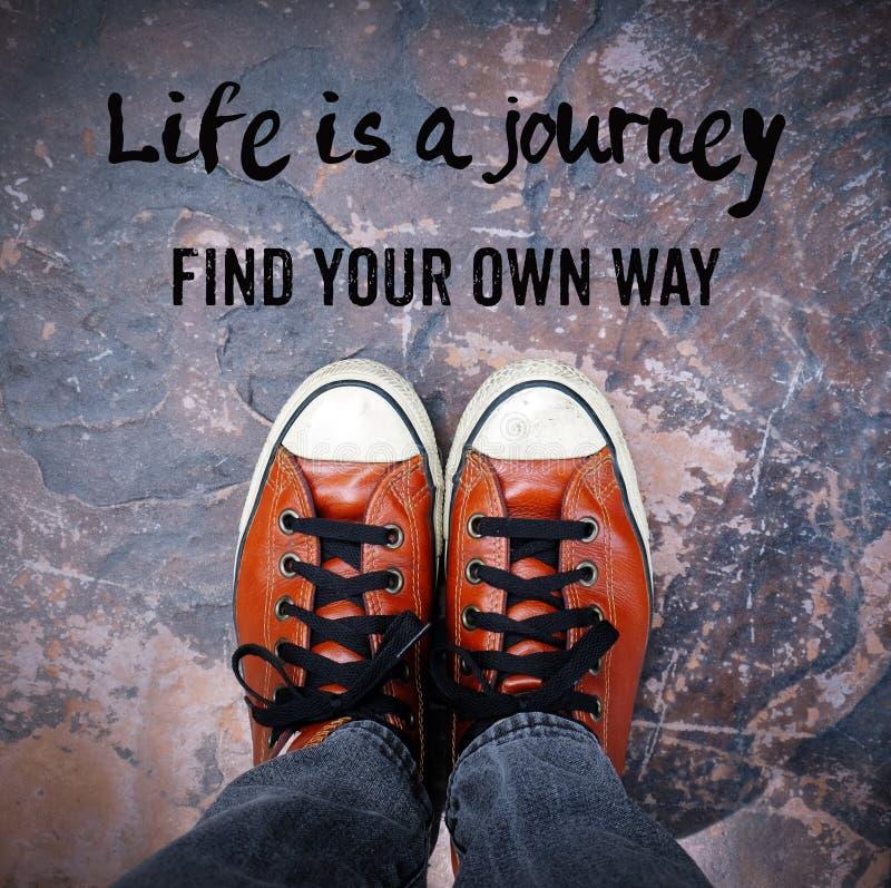 生活是旅途,寻找您自己的道路,引文 库存照片