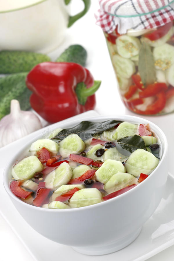 Download 用卤汁泡的黄瓜 库存图片. 图片 包括有 allstate, 营养, 绿色, 瓶子, 大蒜, 食物, 玻璃 - 15687215