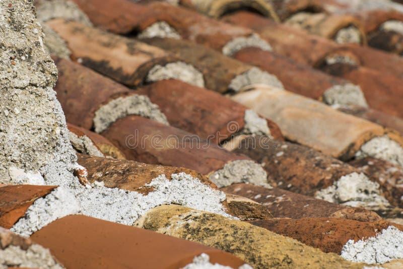 用束盖的屋顶 库存照片