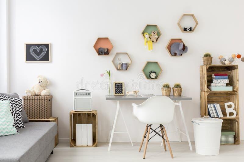 用样式创造的儿童居室 库存图片