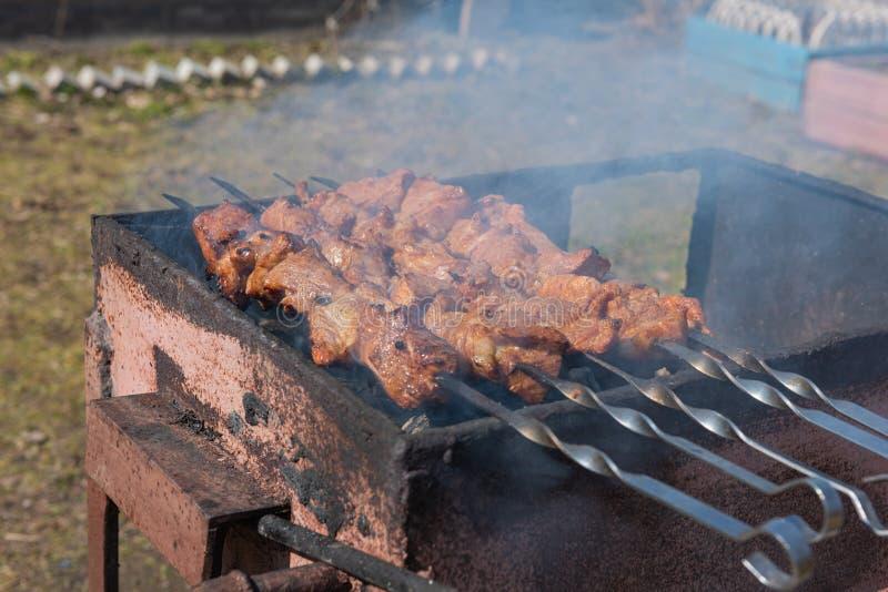 用灵魂烹制的煤烤肉 免版税图库摄影