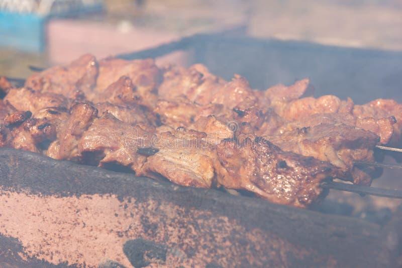 用灵魂烹制的煤烤肉 免版税库存照片