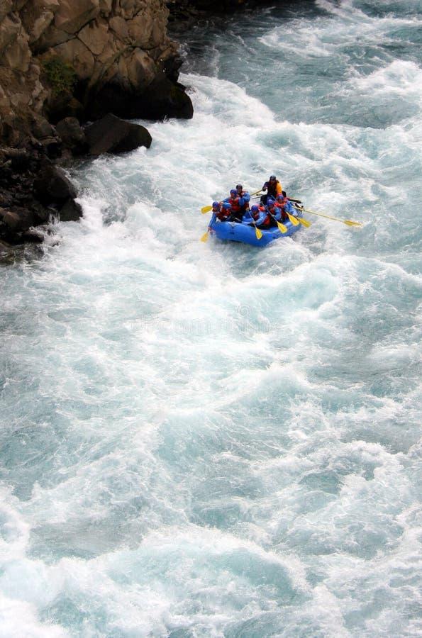 用筏子运送河 免版税库存照片