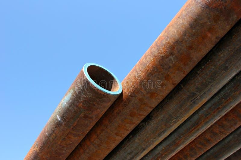 用管道输送生锈的钢 库存照片