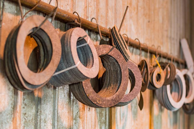 用管道输送耳轮缘垫圈用于的不同的大小力量、油和煤气产业 免版税图库摄影
