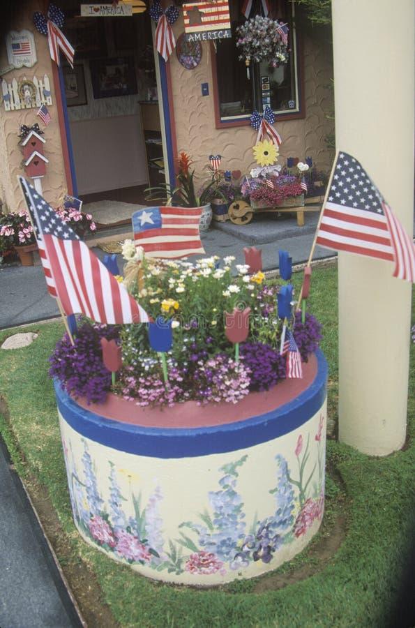 用美国国旗装饰的围场 免版税图库摄影