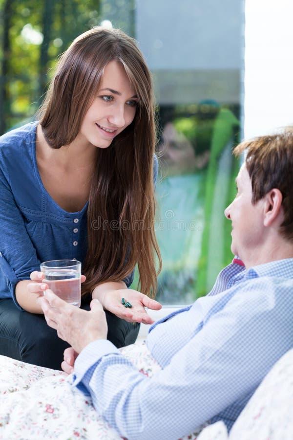 用药治疗对病的妇女 库存图片