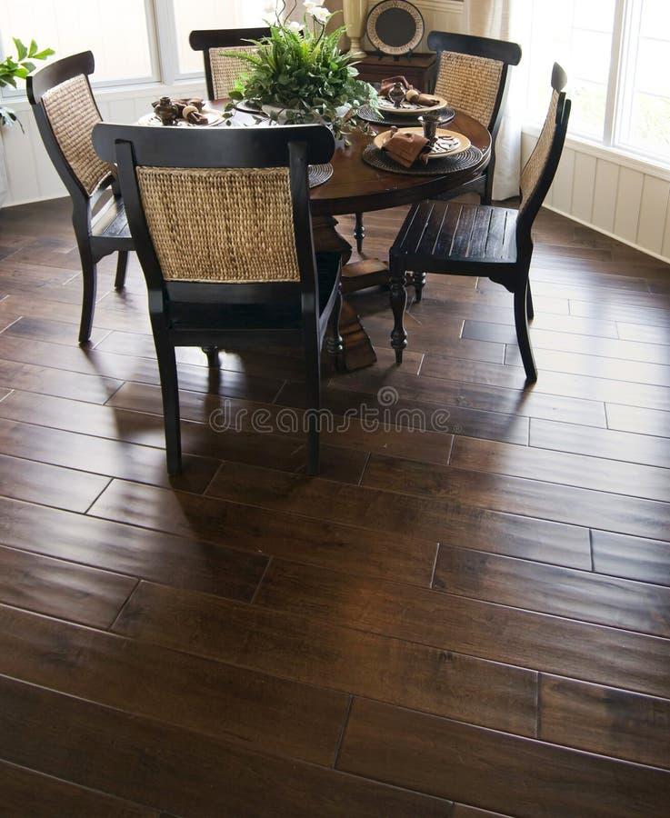 用餐地板困难木头 免版税库存照片