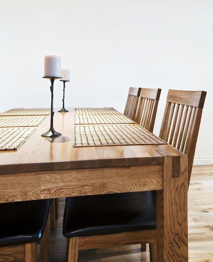 用餐大量表木头 库存图片