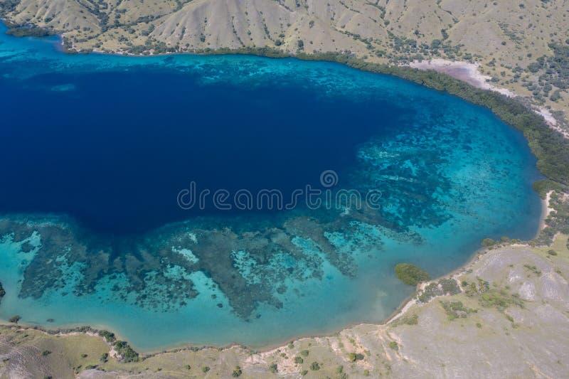 田园诗盐水湖天线在科莫多国家公园 库存图片