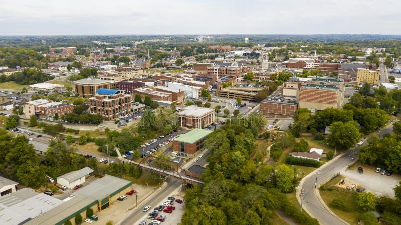 田纳西州克拉克斯维尔建筑物和基础设施的空中景观 免版税库存图片
