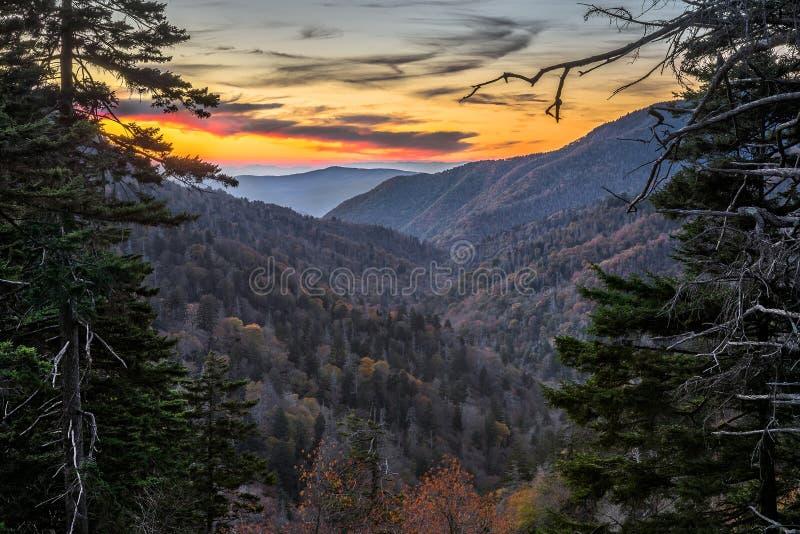 田纳西,风景日落,大烟雾弥漫的山脉 库存图片