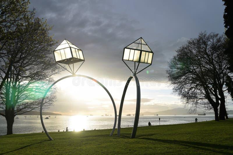 由丹尼斯奥彭海姆2009伦敦西区日落海滩的订婚 免版税库存照片