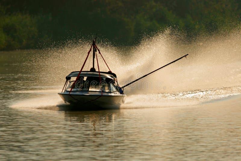 由后面照的小船 免版税库存照片