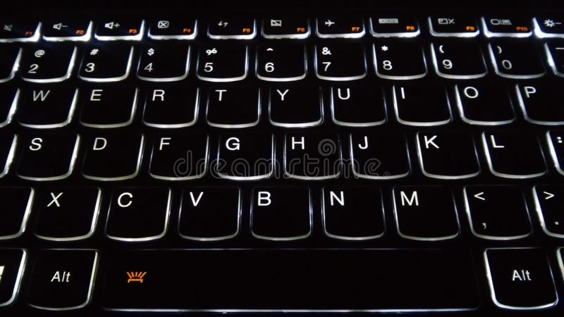 由后面照的键盘前面角度 免版税库存图片