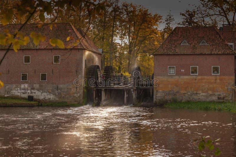 由城堡Singraven的Watermolen Denekamp 免版税图库摄影