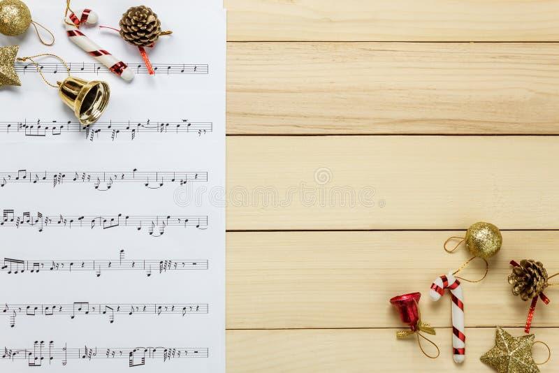 由我自己创造音乐纸张便条纸 顶视图音乐纸张没有 免版税库存图片