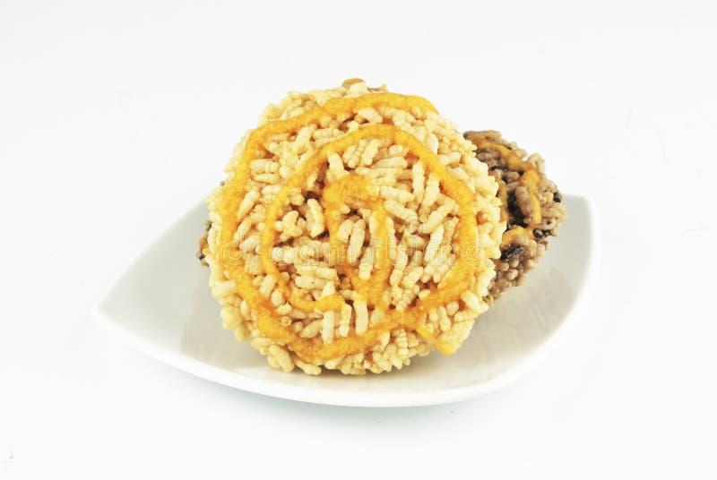 由放出的黏米饭做的泰国古老点心被按 库存图片