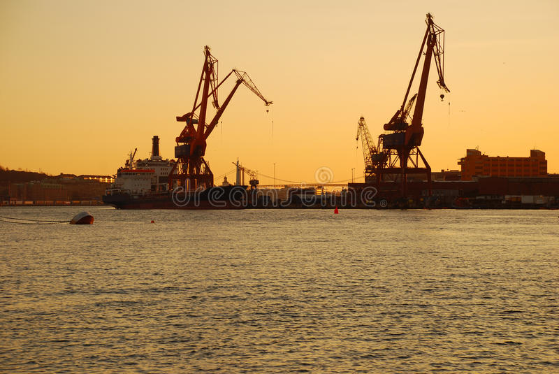 由日落的哥特人港口,瑞典 免版税库存图片