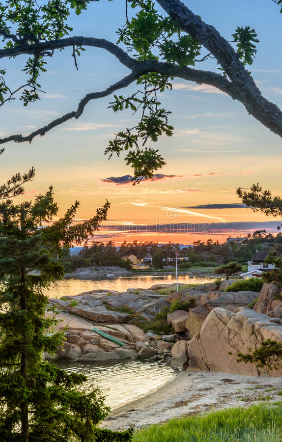 由桑德尔福德,挪威海岸的美好的挪威海景  免版税库存照片