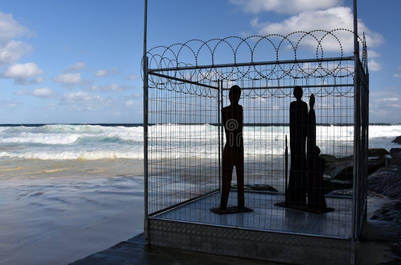 由海的雕塑在Bondi 库存图片