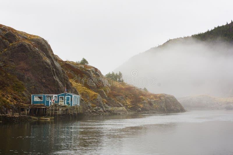 由海的Fishermans房子 免版税库存照片