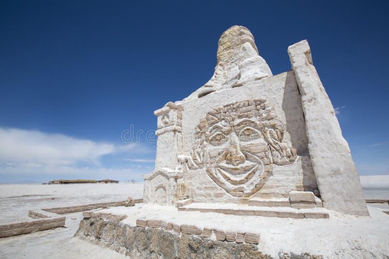 由盐砖做的达喀尔玻利维亚纪念碑 图库摄影
