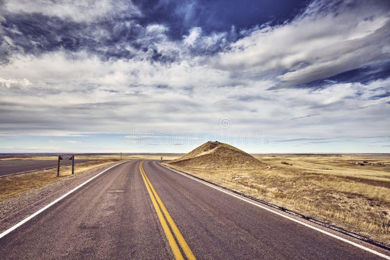 由石峰的风景路在恶地国家公园俯视 免版税库存图片