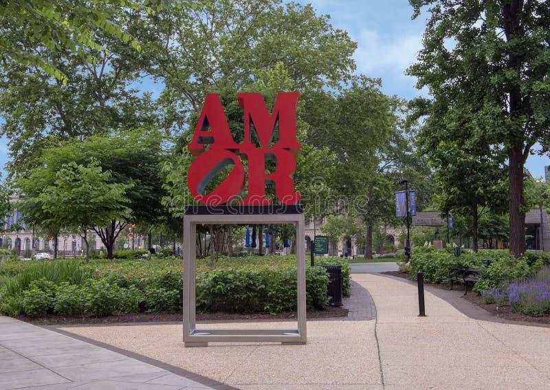 由罗伯特・印第安纳,姊妹城市的阿莫尔雕塑停放,费城,宾夕法尼亚 库存照片