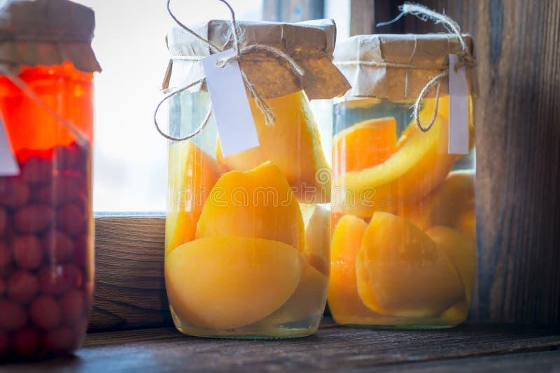 由自然果子做的被保存的果子蜜饯 库存图片