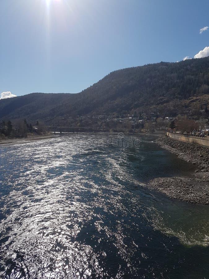 由足迹的河在BC加拿大 免版税库存图片