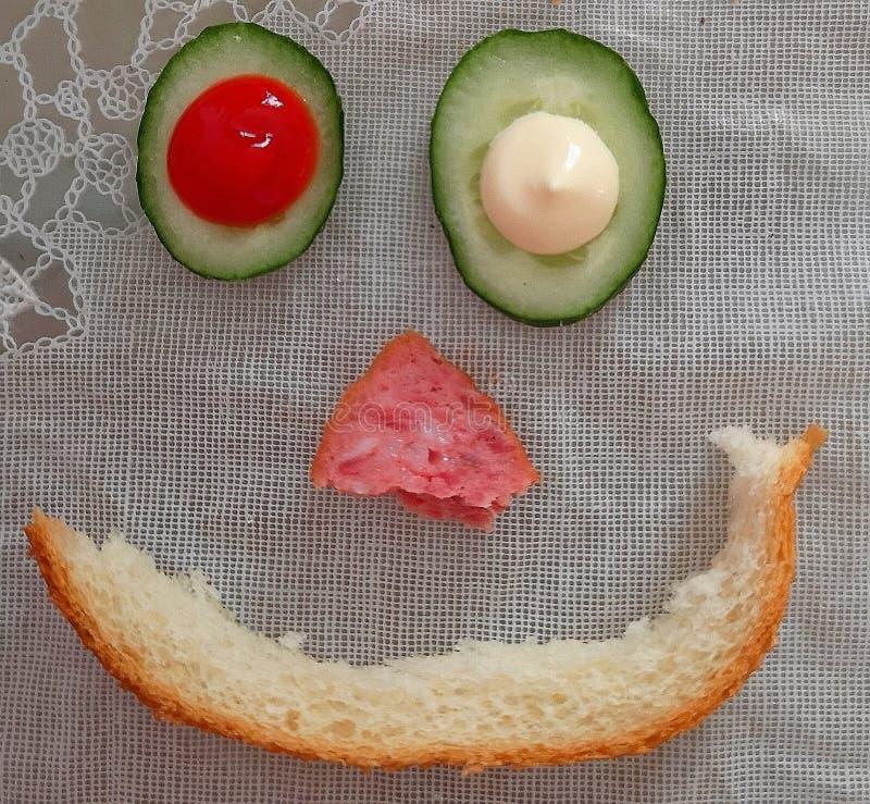 由食物做的面带笑容 免版税库存图片