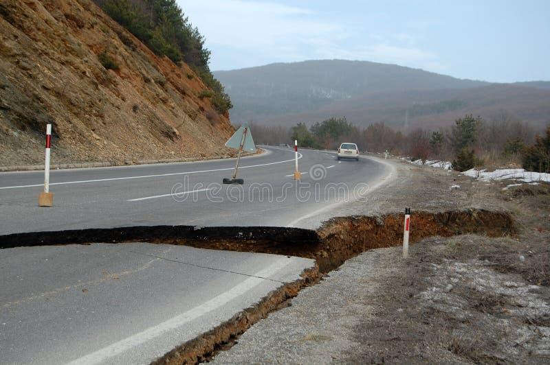 由洪水的公路损伤,山崩 库存图片