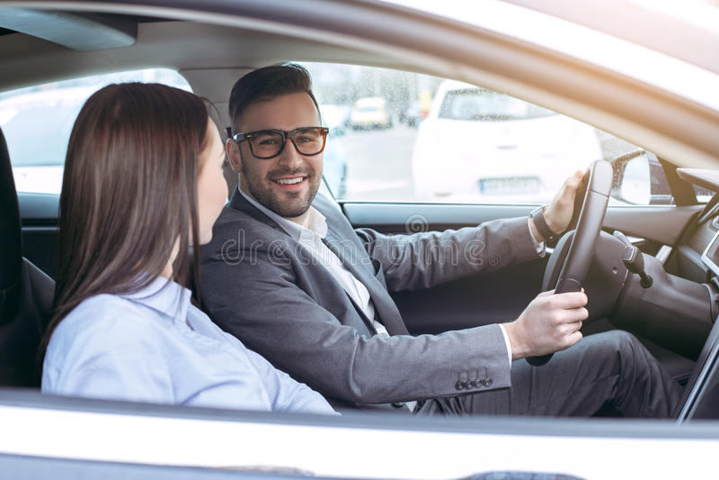 由eco汽车现代技术的人运输 免版税库存照片
